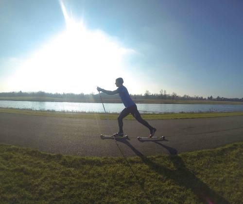 Cómo el rollerski puede ayudarte a correr más
