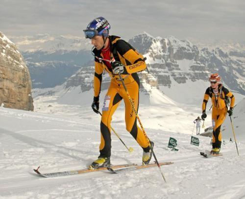 Entrenar esquí de montaña o travesía con rollerski